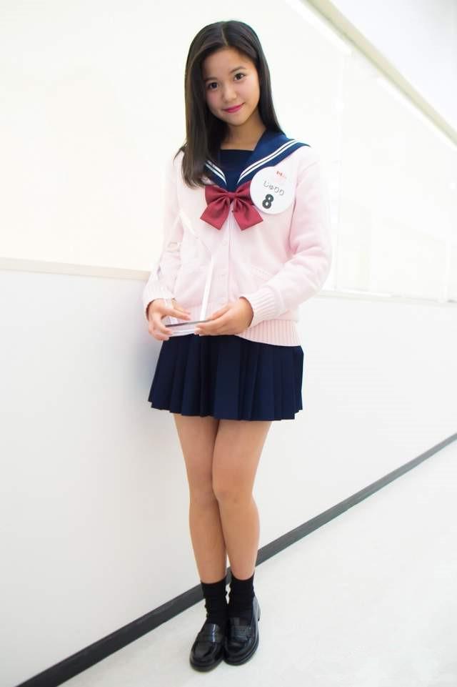 围观日本最可爱初中生 唱《千本樱》感动评委