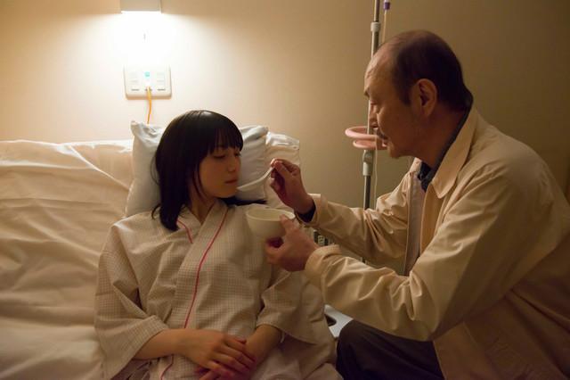 《西野的恋爱与冒险》的中村百合香饰演;茉莉绘的亲友小岛由葵若菜